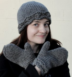 Daisy hat and mitten set