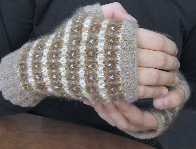 Fingerless_Gloves_Selina_3_medium2